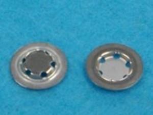 家庭用二次電池向けリチウムイオン電池キャップ部品の半光沢ニッケルフラッシュメッキ加工事例